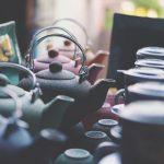 Czajniczek z podgrzewaczem – naczynie, które doskonale sprawdzi się w każdym domu